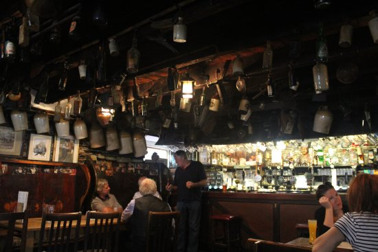 Boscastle, UK: Cobweb Inn bar