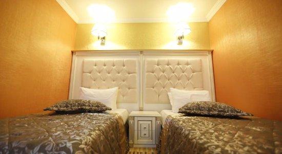 п.Набрань, Азербайджан: Bedroom in Ober-Lux Hotel