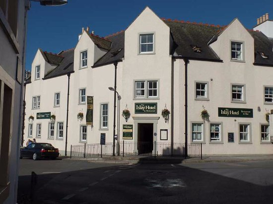 The streetview of the Islay Hotel/Restaurant.