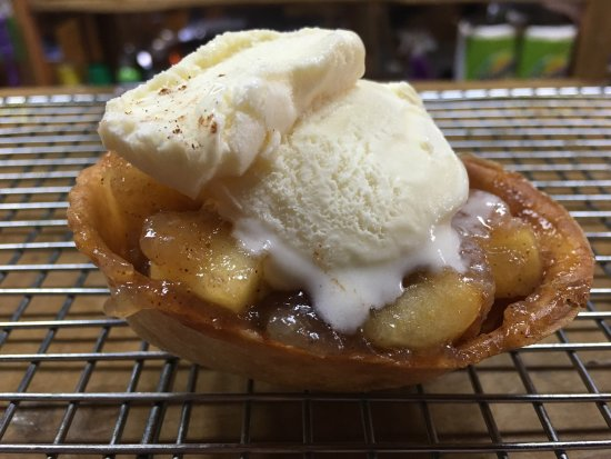 Suches, GA: Apple pie alamode made with our own apples...