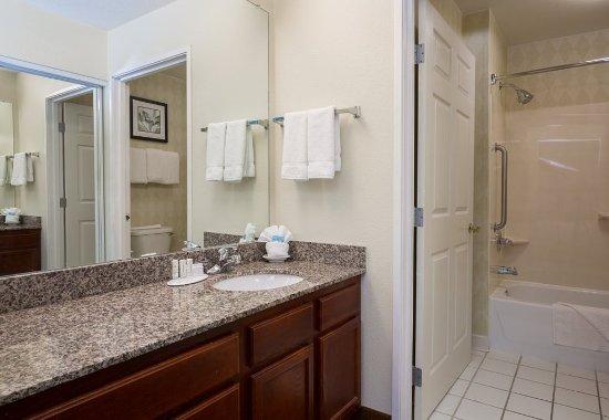 Ιντιπέντενς, Μιζούρι: Suite Bathroom