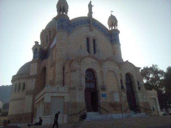 الجزائر العاصمة, الجزائر: Basilic Notre Dame d'Afrique, prise le 02/09/2016 à Alger. Les photos de l'intérieur sont interd