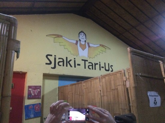 Sjaki's Warung: photo0.jpg