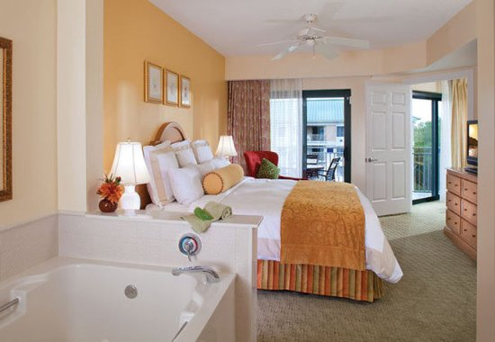 Marriott's Barony Beach Club: Villa Master Bedroom