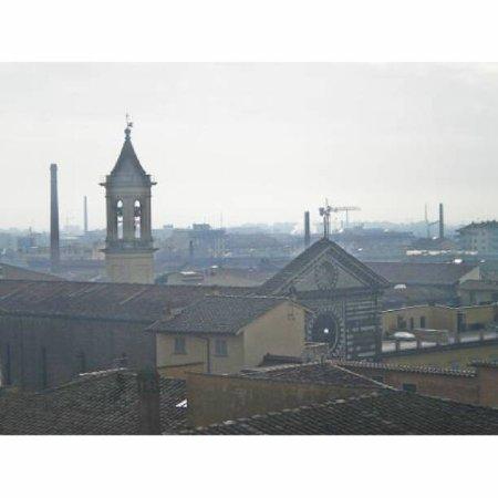 Chiesa di San Francesco : San Francesco tra i tetti del centro storico..