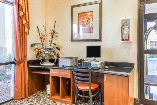 Comfort Inn & Suites Las Vegas: Business center