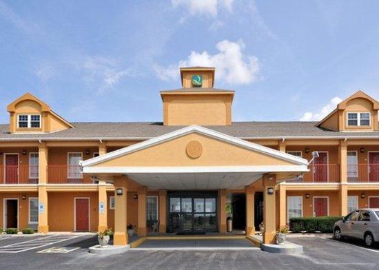 Quality Inn: Exterior NC
