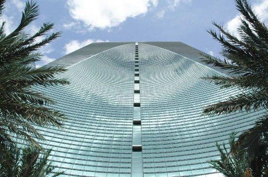 Conrad Miami: Hotel Exterior