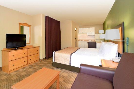 Merriam, Κάνσας: Deluxe Studio - 1 King Bed