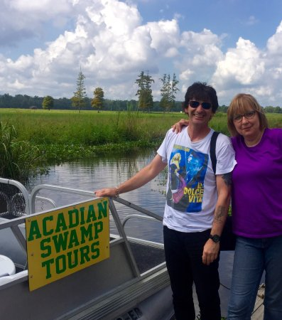White Castle, LA: Great swamp tour! Riley, native to the area, knows his stuff.  Great guide and very friendly.
