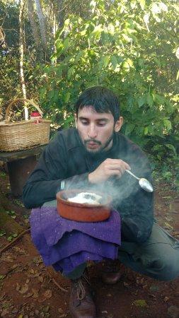 Puerto Libertad, Argentina: O guia Marcos prepara um cocido campeiro