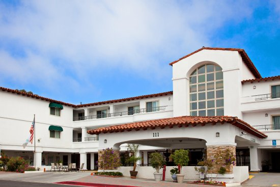 Holiday Inn San Clemente: Street view of the San Clemente hotel's entrance