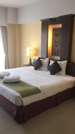 Golden Sea Pattaya Hotel: Вполне удобное расположение, очень дружелюбный персонал, сам отель в хорошем состоянии, не жалей