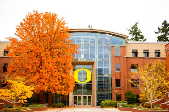 Albany, OR : U of O in Eugene is a strait shot about 40 minutes away