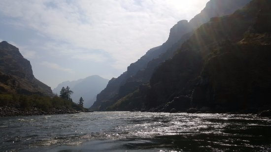 Halfway, OR: The Snake river through the canyon