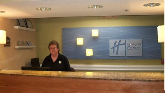 Holiday Inn Express Pigeon Forge/Dollywood: Front Desk