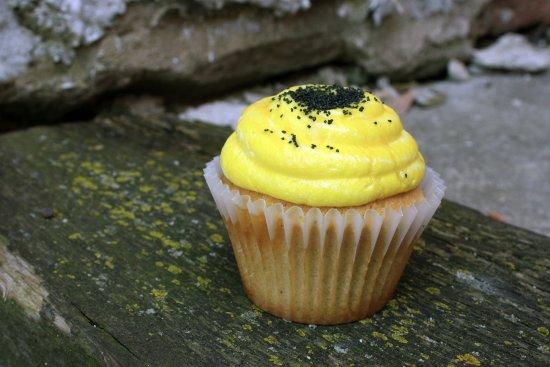 เคโนชา, วิสคอนซิน: Honey bee cupcake!