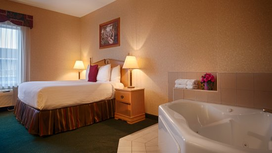 Howe, IN: Whirlpool Room