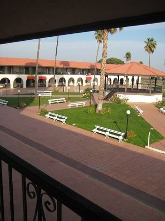 Santa Nella, Californien: Courtyard