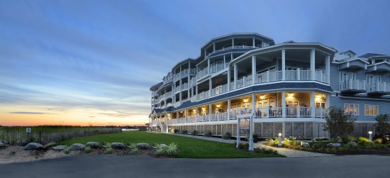 Madison Beach Hotel, Curio Collection by Hilton: Hotel Exterior