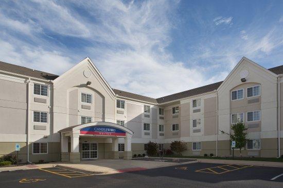 Peoria, IL: Hotel Exterior