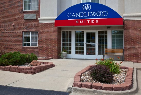 Candlewood Suites - Des Moines: Main Entrance to Hotel
