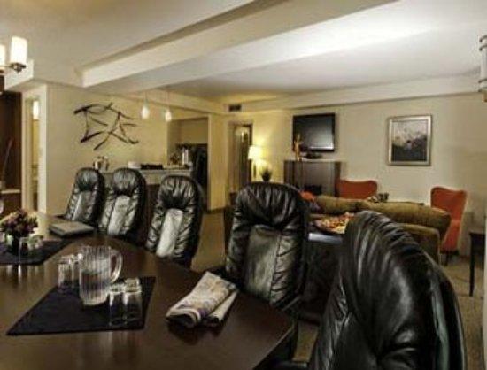Travelodge Hotel Saskatoon: California Suite