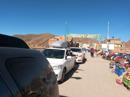 Desaguadero, Peru: aduana