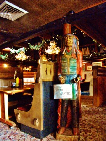 Welches, Oregón: wooden Indian by cash register