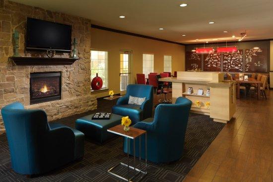 TownePlace Suites Houston North/Shenandoah: Lobby