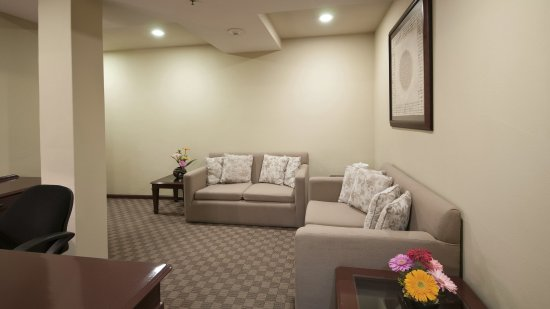 Holiday Inn Hotel & Suites Zona Rosa: Executive Suite