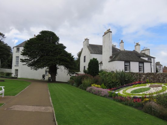 The Lodge Gardens North Berwick
