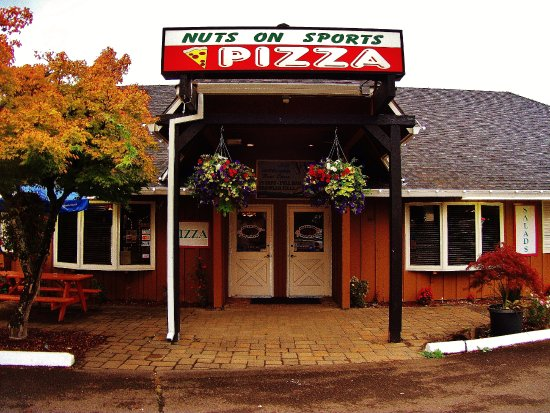 Boring, OR: Entrance of Nuts On Sports Pizza