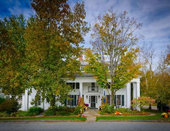 The Dorset Inn: Fall Time