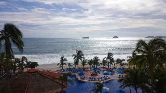 Hotel Barcelo Ixtapa Beach Resort Photo