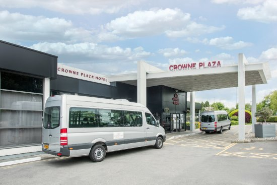 Crowne Plaza Manchester Airport: Airport Shuttle