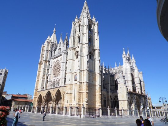 La Catedral - Picture of Santa Maria de Leon Cathedral ...