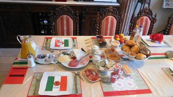 B&B Casa Roman: Ontbijttafel