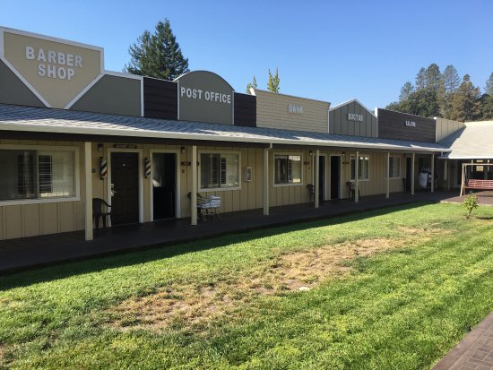 Willits, CA: The Old West Inn