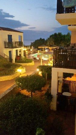 Agia Marina, Grækenland: TA_IMG_20160908_200700_large.jpg