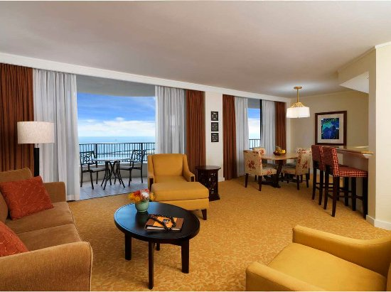 Hilton hawaiian village waikiki beach resort updated for Best private dining rooms honolulu