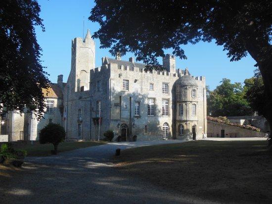 Château de Creully 2