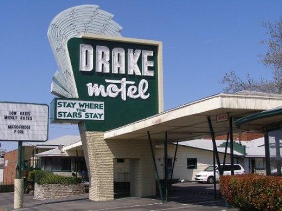 Drake Motel: AODINT