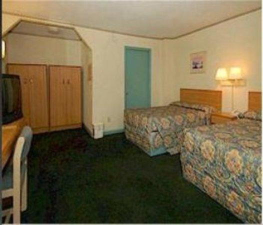 Drake Motel : Two Beds
