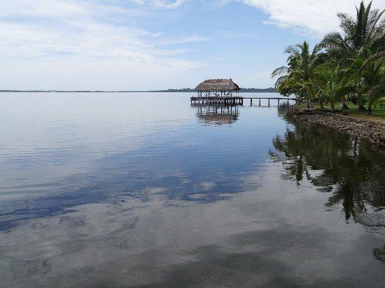 Isla San Cristobal, Panamá: Rancho at Dolphin Bay Cabanas