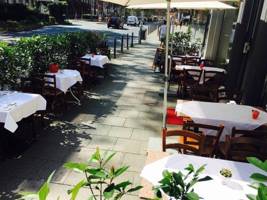La Brasserie: Terrasse