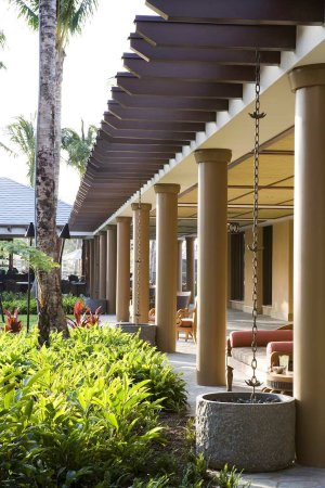 Kings' Land by Hilton Grand Vacations: Exterior walkway