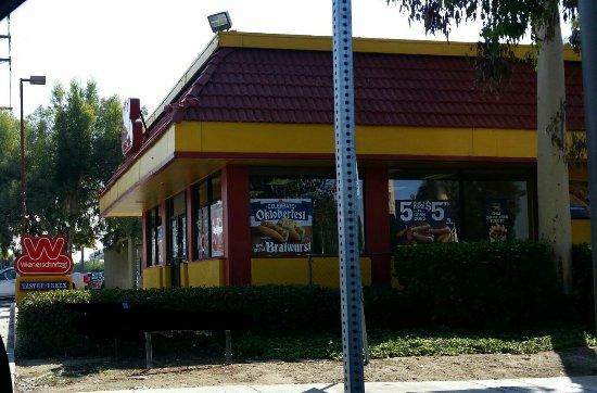 La Habra, Californien: Wienerschnitzel