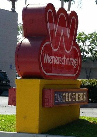 La Habra, Kaliforniya: Wienerschnitzel