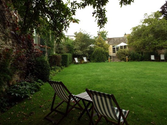 The Bay Tree Hotel: Beautiful garden